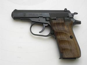 ČZ 83