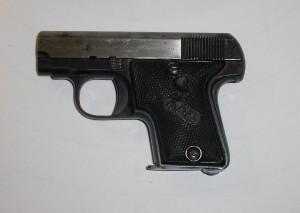 Pistole MAB model A