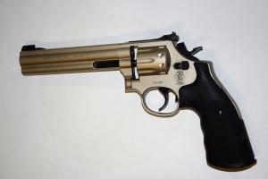 ARMYARMS.cz nabízí: Vzduchový revolver Smith&Wesson 686