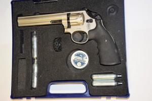 Vzduchový revolver Smith&Wesson 686
