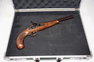 Perkusní pistole křesadlová D.PEDERSOLI+příslušenství