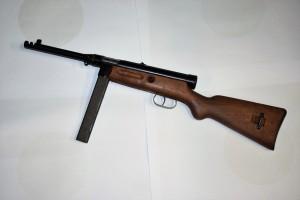 Beretta M49 9mm samonabíjecí puška
