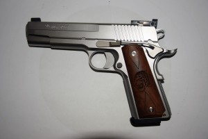 ARMYARMS.cz nabízí: SIG SAUER 1911 Stainless Target r. 45 Auto