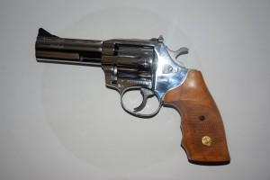 ARMYARMS.cz nabízí: Revolver ALFA PROJ Holek 241